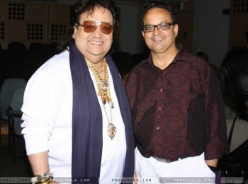 Bappi-lahiri-and-dr-mukul-dabholkar-at-the-20327